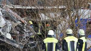Colisão de trens na Alemanha deixa 8 mortos e 150 feridos