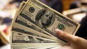 Dólar vuelve a romper récord, rebasa los 19