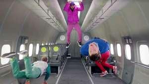 OK Go lanza primer video musical filmado con gravedad cero