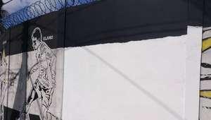 Após pichações, Santos apaga imagem de Robinho em CT