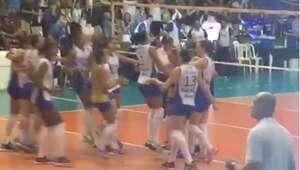 CBV afasta juiz de linha que teria comemorado vitória do Rio
