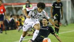 Lesão no joelho tira Luan do Atlético-MG nos próximos meses