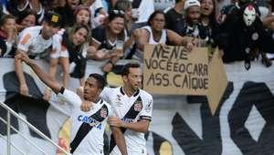 Vasco segura pressão do Botafogo e sai na frente na final