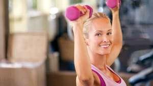 Ejercicios efectivos para que la piel de tus brazos no ...