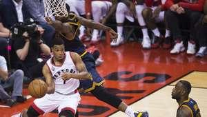 Con Lowry encendido, Raptors empatan la serie final a Cavs