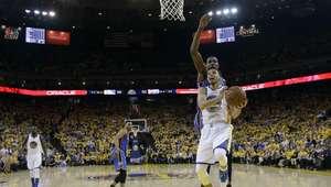 Warriors se defienden y evitan eliminación ante el Thunder