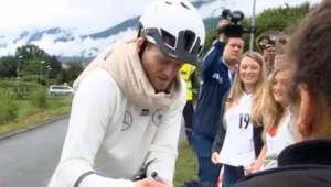 Jogadores da Alemanha vão a treino de bicicleta na Suíça