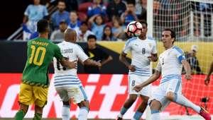 Uruguai deixa a Copa América com vitória sobre a Jamaica