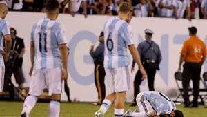 Niña limpia las lágrimas de Lionel Messi
