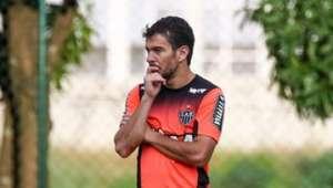 Marcelo Oliveira tem baixa de mais um volante do Galo ...