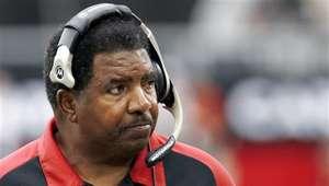 Fallece Dennis Green, ex entrenador de Vikings y Cardinals