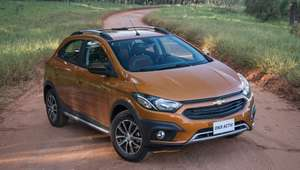 Chevrolet Onix Activ, aventureiro, parte de R$ 57.190