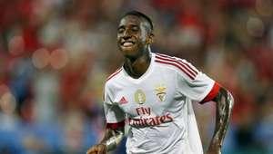 Talisca troca o Benfica por segundona inglesa, diz jornal