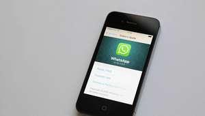 ¡Cuidado! Tus chats borrados de WhatsApp pueden ser ...