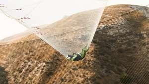 Hace historia al saltar sin paracaídas desde un avión y ...