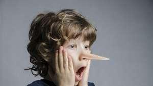 Pais rigorosos criam filhos mentirosos, diz pesquisa