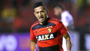 """""""Neymar do Nordeste"""" faz, e Sport distancia Santos da ponta"""