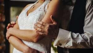 Se queda parapléjica el día de su boda tras ser alzada ...