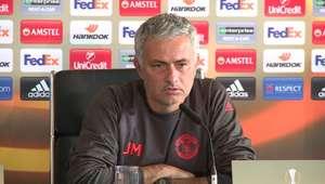 """Mourinho: """"Não há intocáveis no time"""""""