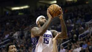 Con gran actuación de Cousin y Gay, Kings superan a Suns