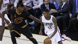 Clippers amargan a James celebración de nombramiento