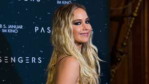 Jennifer Lawrence casi mata a alguien por rascarse el ...
