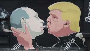 """Até onde vai o """"namoro"""" de Trump com Putin?"""