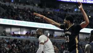 Butler y Wade lucen en triunfo de Bulls contra Pelicans