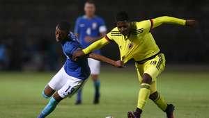 Classificado, Brasil leva gol no fim e perde para a Colômbia