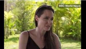 Angelina se derrumba hablando de su divorcio por primera vez