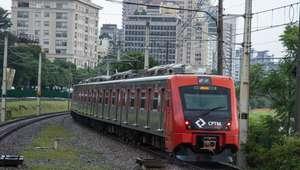 Homem foge após ejacular em mulher dentro do trem da CPTM