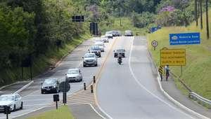 Movimento nas estradas de SP é normal, apesar de retenções