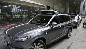 Uber suspende el programa de autónomos tras accidente