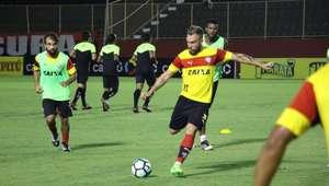 Willian Farias comemora vaga do Vitória e sonha com Copa NE