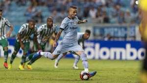 Grêmio goleia o Juventude e garante vaga nas quartas