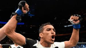 UFC: Charles Oliveira e Thiago Pitbull brilham com vitórias