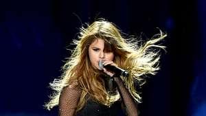 Luce un corte Wavy Bob como el de Selena Gomez
