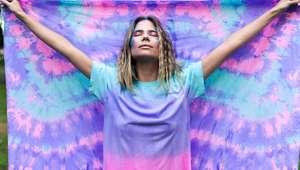 Psicodélicos e coloridos, o tie-dye voltou à moda com tudo