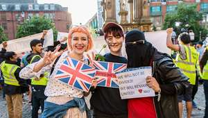 Essas fotos são um exemplo de como Manchester reagiu ao ...
