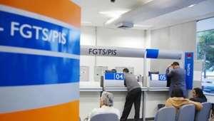 Trabalhadores receberão em agosto parte do lucro do FGTS