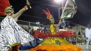 Prefeitura assina acordo sobre verbas para escolas de samba