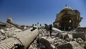 """Necrotério de Mosul enfrenta dificuldade com """"rio de sangue"""""""