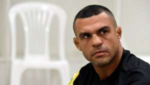 """Belfort cobra """"respeito"""" e pagamento do UFC, mas Dana recusa"""