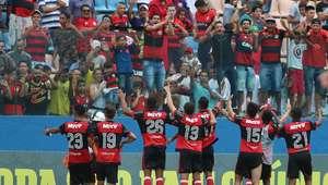 Fla vence outra, chega às quartas e pode pegar Corinthians