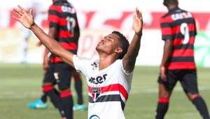 São Paulo reage 2 vezes, vence nos pênaltis e vai à semi