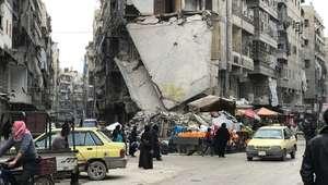 Sírios iniciam a difícil tarefa de reconstruir Aleppo