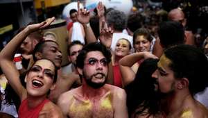 Pós-Carnaval: como se livrar do glitter em 3 minutos