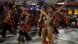 Com disputa acirrada, Beija-flor é campeã do Carnaval no RJ