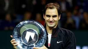 Federer vence, é tri em Roterdã e se aproxima de 100 títulos