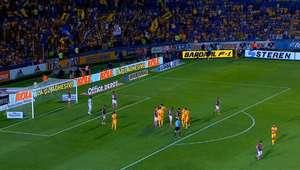 Rafael Carioca acerta canudo de fora da área pelo ...
